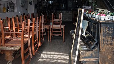 Clamor municipal en Baix Llobregat y L'Hospitalet por la reapertura de los bares y restaurantes