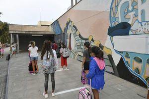 Castelldefels insiste en que las aulas de las escuelas tengan un máximo de 22 alumnos
