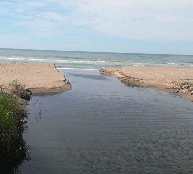 Los vertidos de aguas residuales al mar y las inundaciones de Castelldefels tienen fecha de caducidad