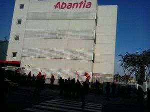 Els treballadors d'Abantia, amb seu a Sant Boi, diuen prou a l'impagament de les nòmines