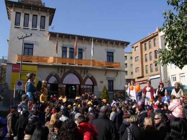 Cercavila de gegants durante una edición anterior de la Fiesta Mayor de Sant Vicenç dels Horts.