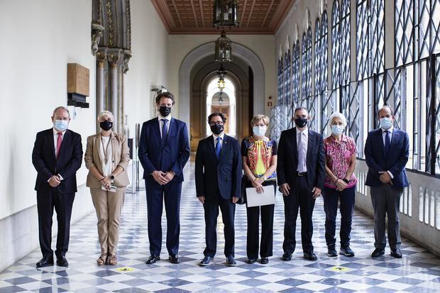 La primera cátedra de cirugía robótica llega a Cataluña de la mano de la UB, el Hospital de Bellvitge y ABEX Excelencia Robótica