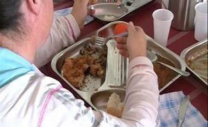 Cornellà obrirà tres casals a l'agost per garantir menjars per a nens vulnerables