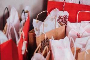 El comercio de proximidad se aferra a la campaña de Navidad para eludir la UCI