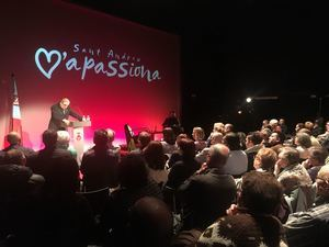Conferencia 'Sant Andreu, ciutat viva' con el alcalde de la ciudad, Enric Llorca.