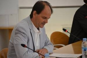 El Consell Comarcal del Baix Llobregat confia en la continuïtat de Josep Perpinyà