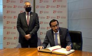 El cónsul general de los Emiratos Árabes Unidos estrecha lazos con el Consorci de la Zona Franca