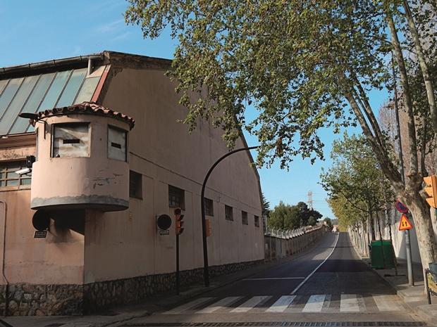 El cuartel militar de Sant Boi será el 'hotel' de guardias civiles y policías nacionales