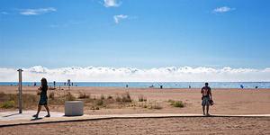 Muere ahogado un hombre de 59 años en una playa de Castelldefels