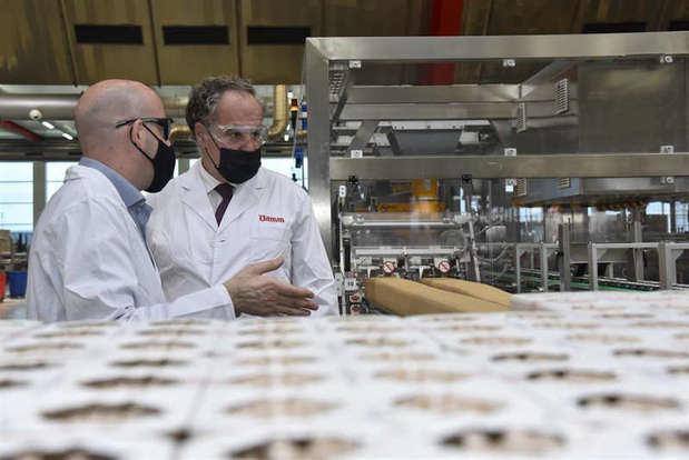 La planta de Damm en El Prat producirá un 45% más gracias a una inversión de 63,3 millones de euros