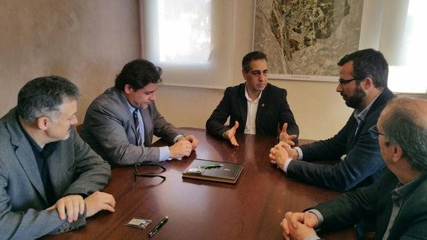 Una de les darreres reunions mantingudes, al març, entre la Generalitat i El Papiol, on es va reclamar la construcció d'aquest equipament