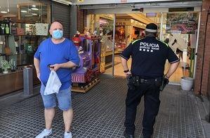 Sant Andreu denuncia a 236 personas por no llevar mascarillas y sólo a 50 por hacer botellón