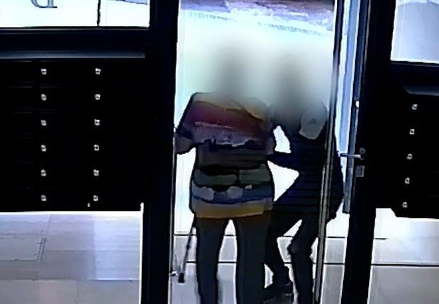 Detenido el joven que asaltó violentamente a una anciana en Esplugues para robarle las cadenas de oro