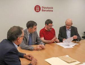 Firma del crédito entre los ayuntamientos de Esplugues, Sant Just Desvern, la Diputación y BBVA