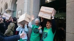 La ILP contra els desnonaments i la pobresa energètica arriba al Parlament