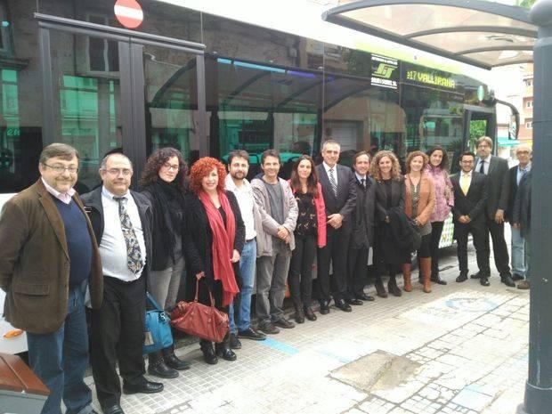Un nou Bus Exprés connecta Vallirana i Cervelló amb Barcelona en menys temps