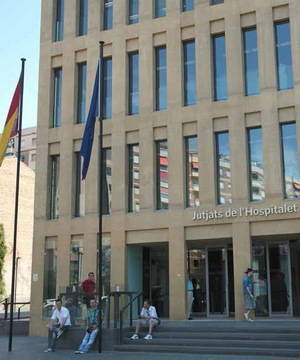 La subida del 15% del IBI afecta a 570 empresas de L'Hospitalet, las que ya pagaban más