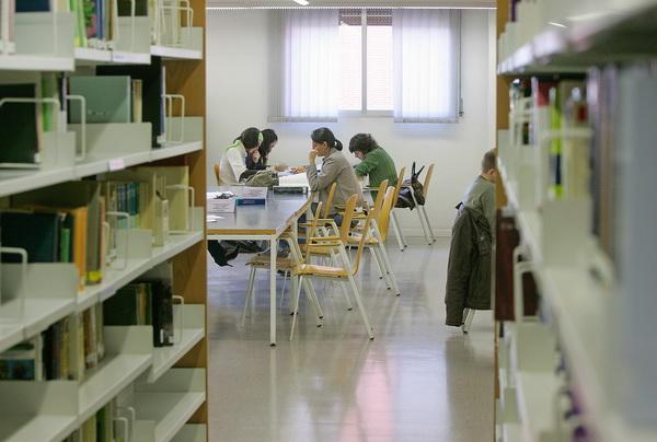 El model català de beques permet que un 40% dels estudiants universitaris rebin algun tipus d'ajut
