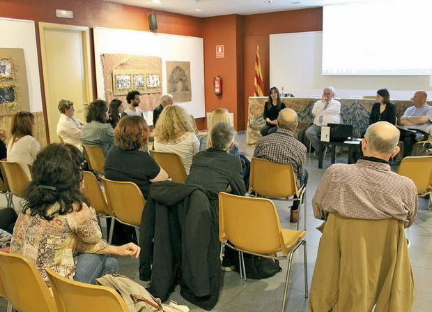 La cita va generar debats entre els assistents.