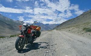 Libertad y aventura: 'Cinco viajes en moto'