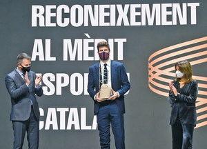 Gerard Piqué i Josep Lluís Vilaseca reben el guardó al mèrit esportiu català