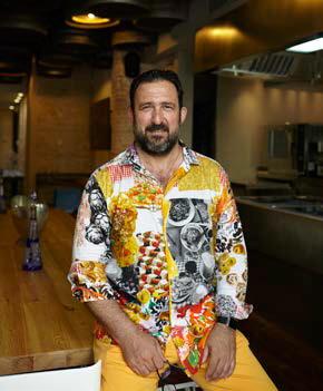El chef Oscar Manresa crea una fundación en Gavà para contribuir a la felicidad de los necesitados