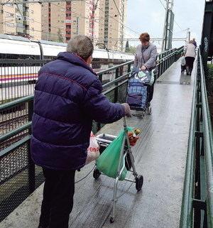 Adif restringirá el paso de trenes entre El Prat y Sants para avanzar en las obras de la estación de Bellvitge