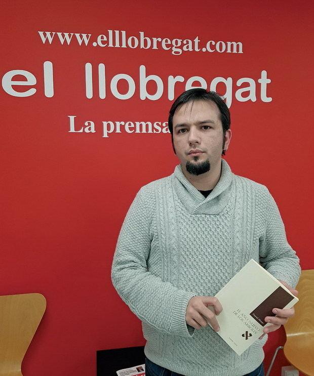 El hospitalense David Aliaga hurga en el 'Yo' más complejo con un nuevo libro de relatos: 'El año nuevo de los árboles'