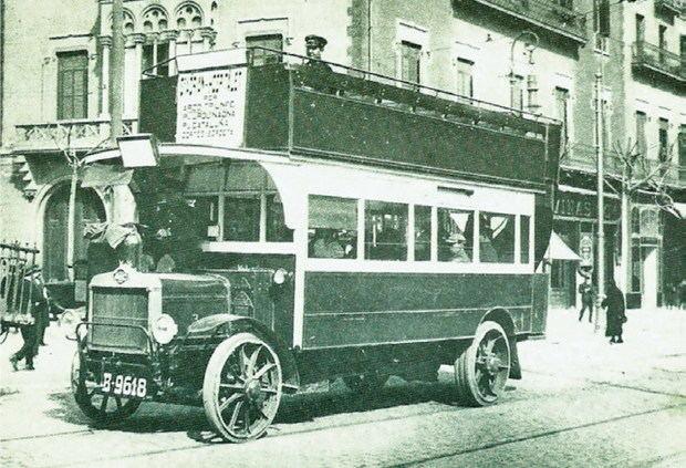Vuelve el autobús Tilling Stevens, el primero que circuló por L'Hospitalet