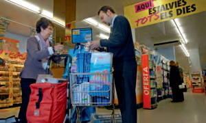 Las microdonaciones de los supermercados Caprabo, alimento de los más desfavorecidos