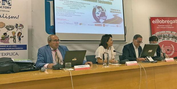 La alcaldesa de Gavà, Raquel Sánchez, expone su modelo de ciudad sostenible desde una visión metropolitana