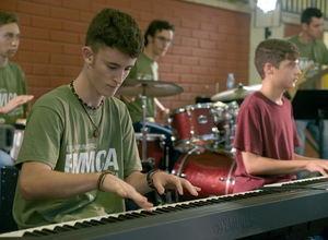 Partitures per al canvi: l'exemple de l'Escola de Música de L'Hospitalet