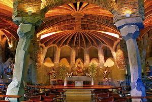 La huella de Jujol revive en la cripta Gaudí