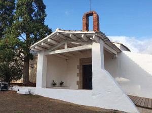 Viladecans recupera la valiosa ermita medieval de Santa Maria de Sales