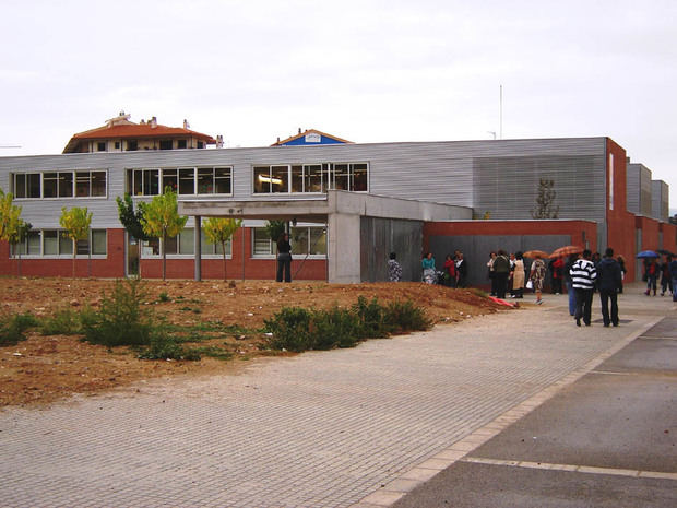 Olesa de Montserrat exige que no se cierre una de las dos líneas de P3 de la escuela Sant Bernat