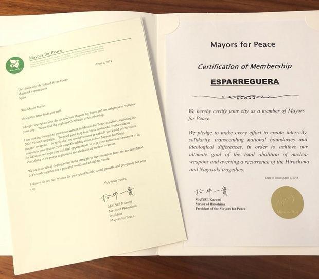Los documentos acreditativos de la entrada del municipio en la red de Alcaldes por la Paz