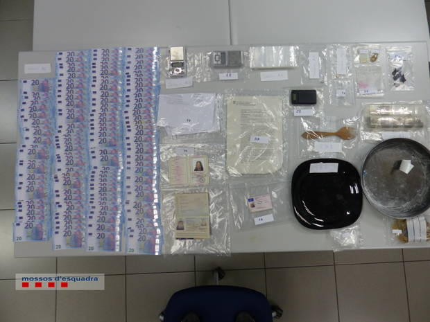 Prisión para tres hombres por tráfico de drogas, atentado contra la autoridad y falsificación de divisas