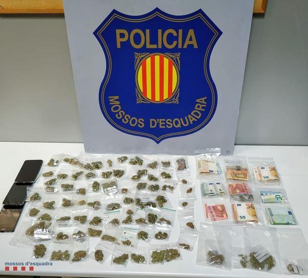 A prisión diez miembros de un grupo organizado por traficar con drogas en L'Hospitalet