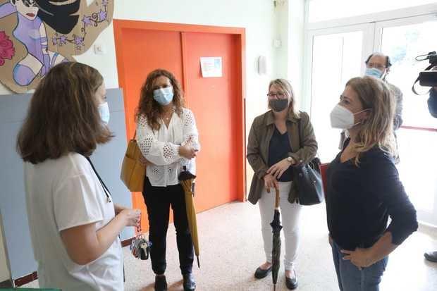 Faltan docentes en Gavà para poder garantizar una vuelta al cole segura