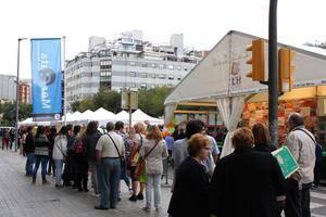 Los mercados de L'Hospitalet salen a la calle