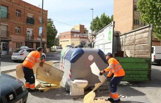 Desconvocada la huelga indefinida de recogida de basuras en Sant Feliu de Llobregat