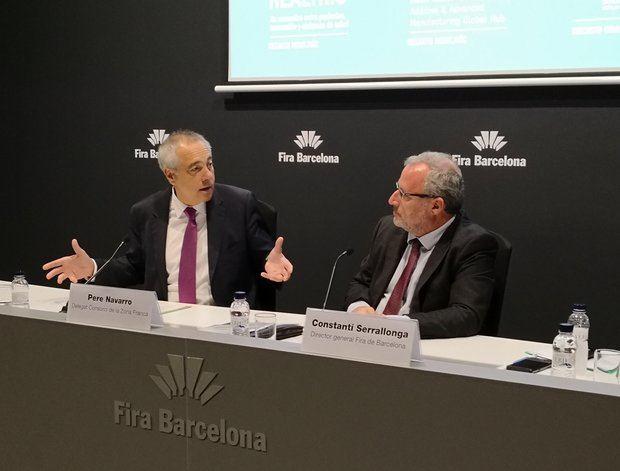 Pere Navarro -izquierda-, delegado del Consocio de la Zona Franca, junto a Constantí Serrallonga, director general de la Fira de Barcelona, en la presentación de la Barcelona Industry Week.