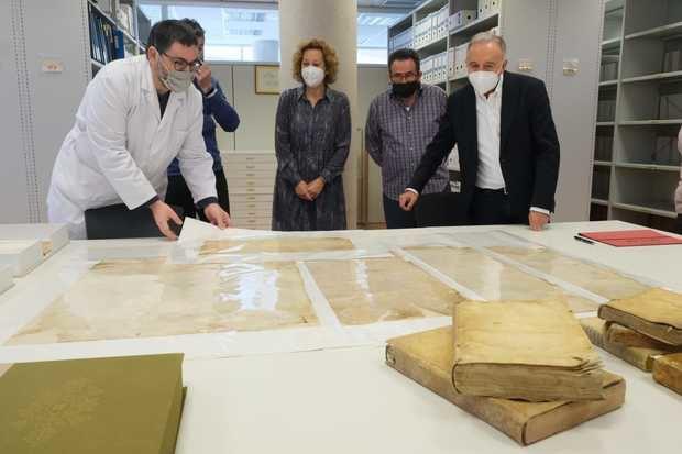 La masía de Can Codina hace la mayor donación de la historia al archivo municipal de Sant Joan Despí