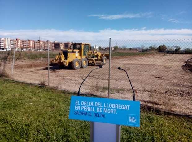 Frente de ecologistas, payeses y vecinos contra la ampliación del puerto y del aeropuerto