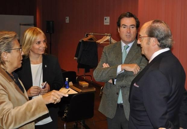 Garamendi cree, en el FEM Llobregat de Aeball, que combinar pensión y trabajo perjudica el empleo juvenil y la renovación de las empresas