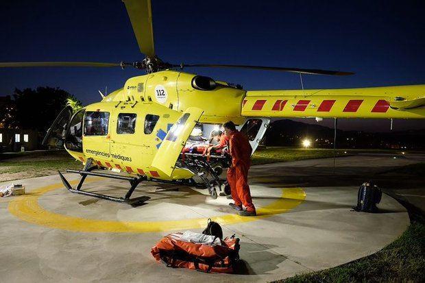 El SEM trasladó al turista francés en helicóptero, en estado grave, desde la T2 al Hospital de Bellvitge