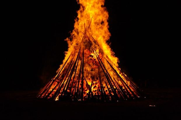 El Baix Llobregat será el epicentro de la verbena de San Juan entre fiestas mayores, fuego y playas