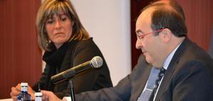 Núria Marín, alcaldesa de L'Hospitalet i presidenta de la Diputación de Barcelona, junto al primer secretario del PSC, Miquel Iceta