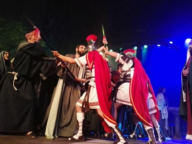 La popular 'Desfilada dels Armats' en Sant Vicenç dels Horts.