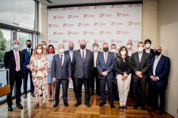 El proyecto tractor de vehículos conectados de España toma impulso en la Zona Franca